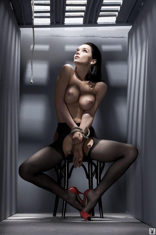 【外人】プレイボーイ誌に掲載されたウクライナ人ユージニア(Eugenia Diordiychuk)の美爆乳おっぱいヌードのポルノ画像 966