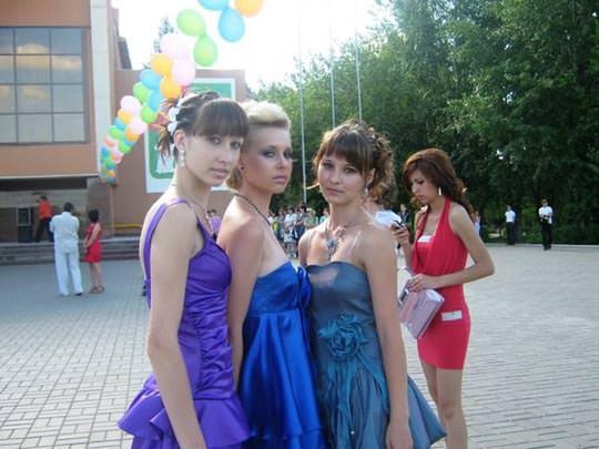 【外人】学校の美人コンテストに出場するロシアン素人美少女の77センチ貧乳バストのポルノ画像 973