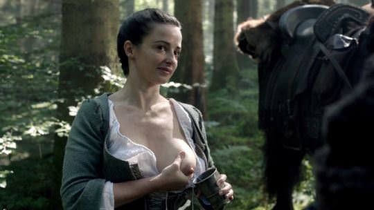【外人】イギリス人女優ローラ・ドネリー(Laura Donnelly)の母乳がエッロいおっぱいポルノ画像 0139