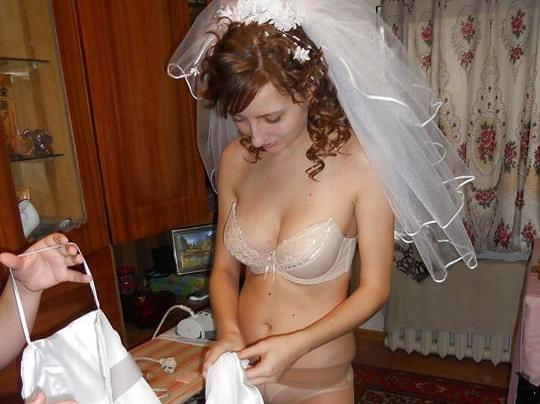 【外人】海外の美人花嫁がドレスでおっぱいポロリしてるポルノ画像 0142