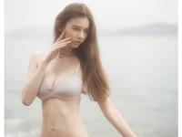 【外人】処女の様な北欧の天使オルガ(Olga B)の下着セミヌードポルノ画像
