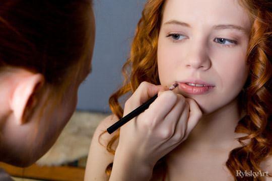 【外人】赤毛のロシアンヌードモデルのジリアン(Gillian)のマン毛とワキ毛のポルノ画像 0194