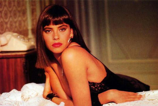 【外人スペースバンパイアのフランス人女優マチルダ・メイ(Mathilda May)の極上おっぱいポルノ画像 1021