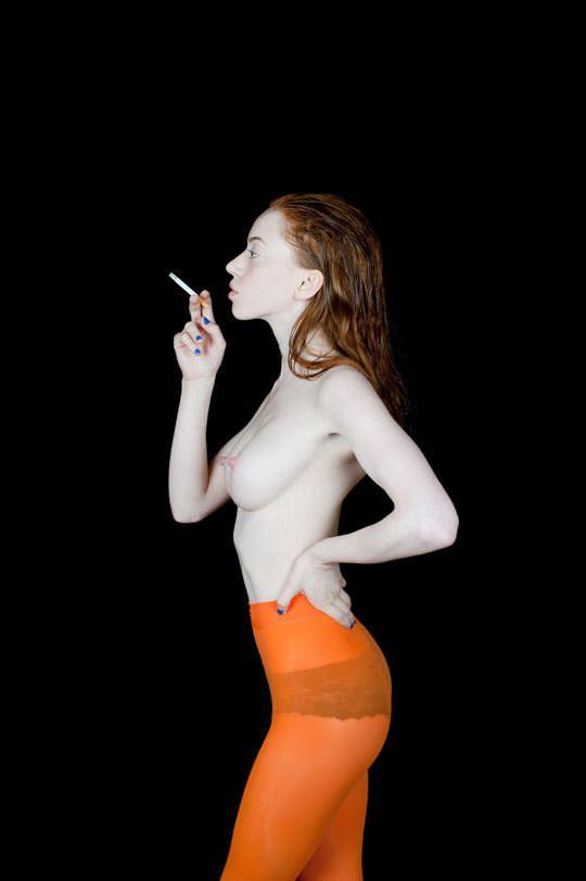 【外人】イギリス人モデルリリー・ニューマーク(Lily Newmark)のドピンク乳首おっぱいポルノ画像 1033