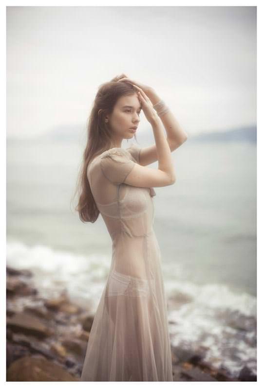 【外人】処女の様な北欧の天使オルガ(Olga B)の下着セミヌードポルノ画像 1061