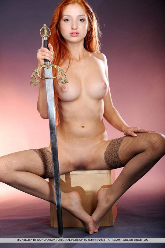 【外人】お人形顔の赤毛美女ミシェル(Michelle H)のおまんこM字開脚ポルノ画像 110