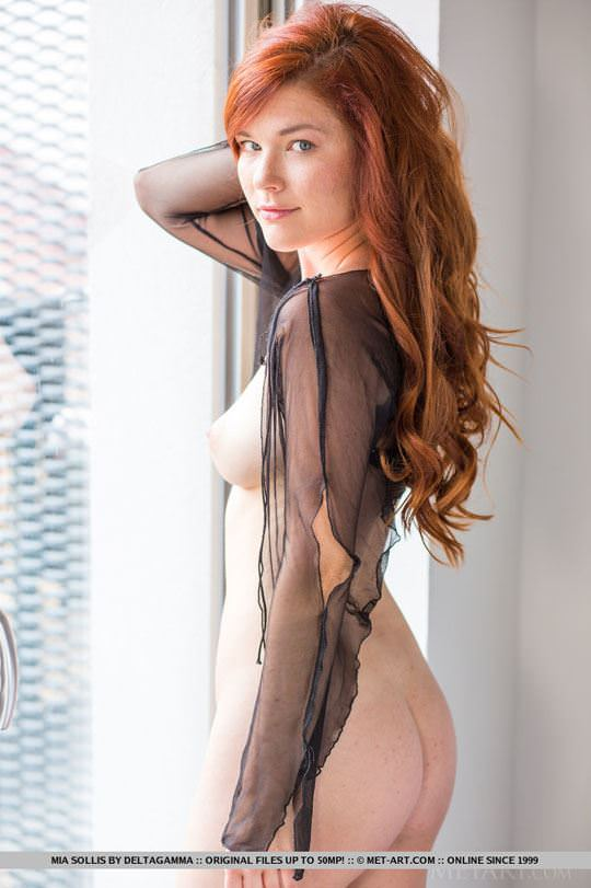【外人】チェコ共和国出身の赤毛美少女ミア(Mia Sollis)のおっぱいとまんこのポルノ画像 1108