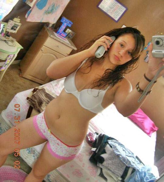 【外人】盛のついた巨乳女子大生の自撮りポルノ画像 11101