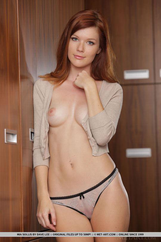 【外人】チェコ共和国出身の赤毛美少女ミア(Mia Sollis)のおっぱいとまんこのポルノ画像 1123