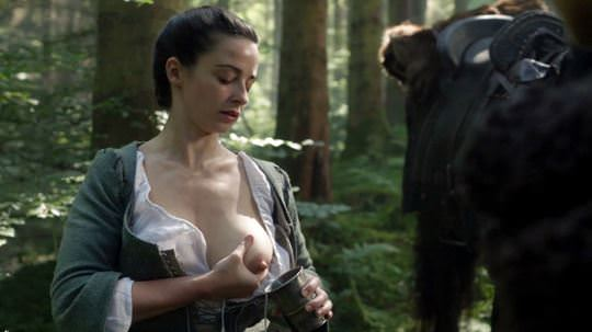 【外人】イギリス人女優ローラ・ドネリー(Laura Donnelly)の母乳がエッロいおっぱいポルノ画像 1154