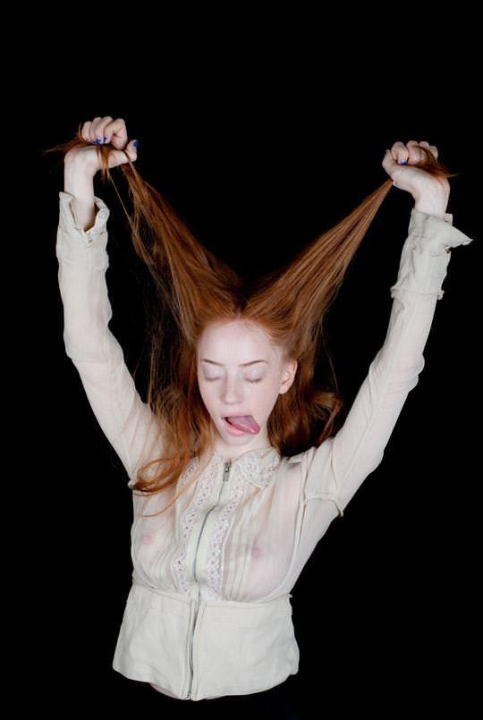 【外人】イギリス人モデルリリー・ニューマーク(Lily Newmark)のドピンク乳首おっぱいポルノ画像 1155