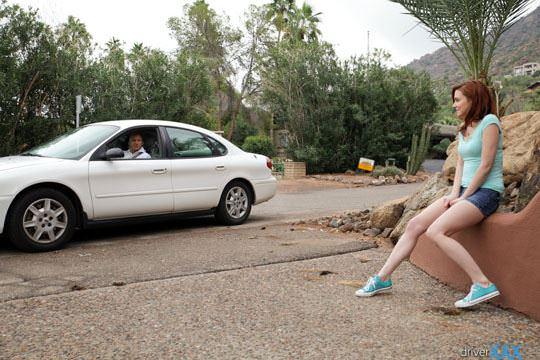 【外人】ナンパされた赤毛ロシアン美女が狭い車内でパコパコカーセックスポルノ画像 1187