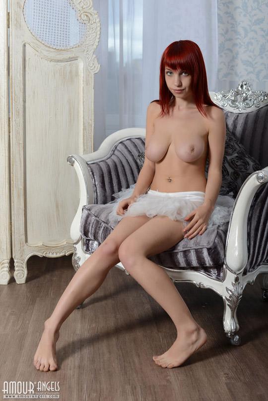 【外人】赤毛娘のリーマ(Rima)の大き過ぎて垂れ下がる巨乳おっぱいポルノ画像 1270