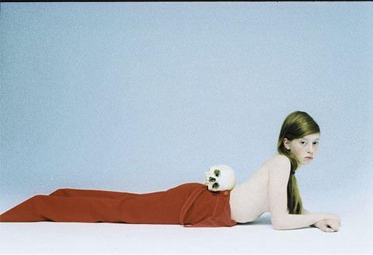 【外人】イギリス人モデルリリー・ニューマーク(Lily Newmark)のドピンク乳首おっぱいポルノ画像 1327