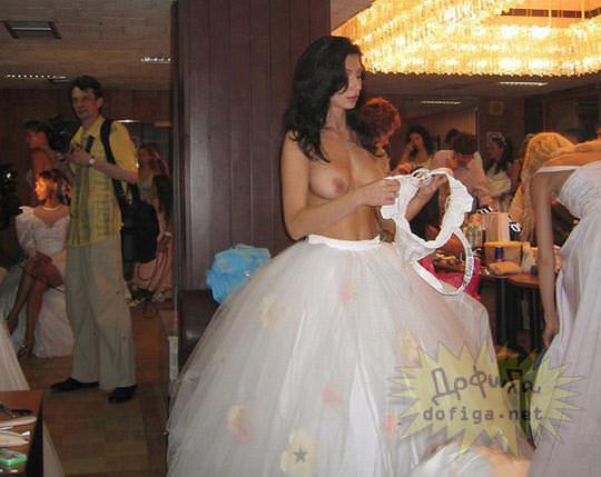 【外人】海外の美人花嫁がドレスでおっぱいポロリしてるポルノ画像 1329