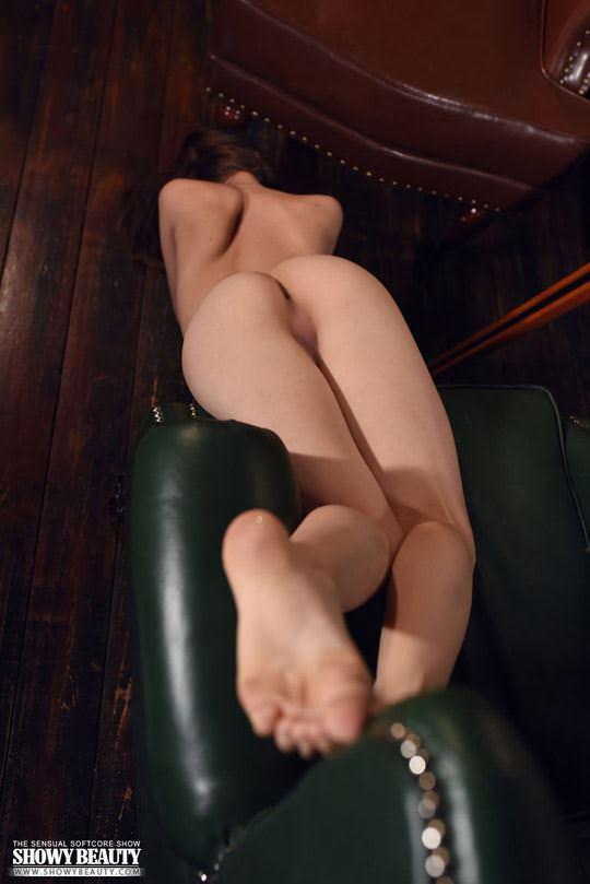"""【外人】ロシアのロリ顔洋ティーンのロリ""""(Loli)の服脱ぎフルヌードポルノ画像 1330"""