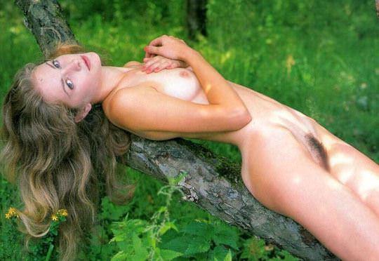 【外人】大自然でヌードグラビア撮影する妖精な白人美女達の野外露出ポルノ画像 1339
