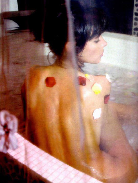 【外人スペースバンパイアのフランス人女優マチルダ・メイ(Mathilda May)の極上おっぱいポルノ画像 1515