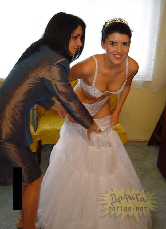 【外人】海外の美人花嫁がドレスでおっぱいポロリしてるポルノ画像 1525