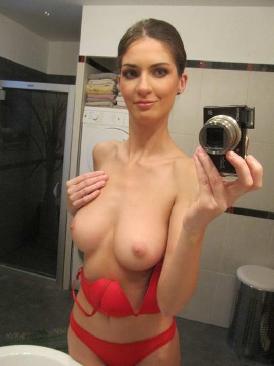 【外人】裸を晒すことに恥じらいがない海外素人美女たちの自撮りポルノ画像 1653