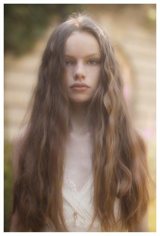 【外人】顔が可愛い世界の美少女を集めたセミヌードポルノ画像 1936