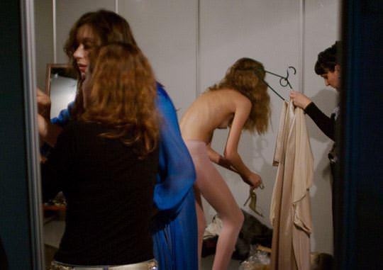【外人】そこら中でおっぱいを晒す世界のスーパーモデルたちのポルノ画像 2170