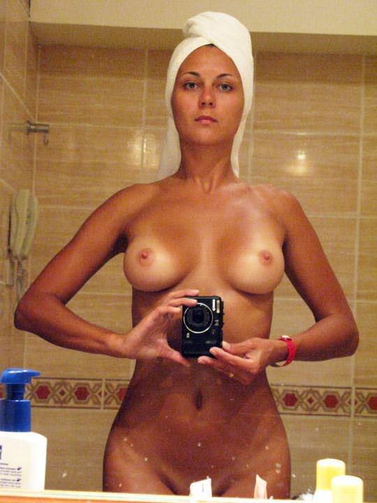 【外人】海外のエッチな素人がプライベートでヌードを自撮りしてネットにうpしてるポルノ画像 222