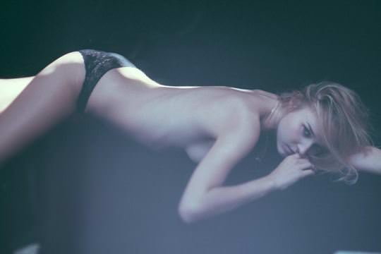 【外人】超美人な無名ファッションモデルが裸になって自分を売り込むヌードポルノ画像 2234