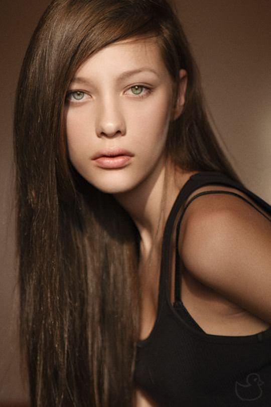 【外人】顔面偏差値が高いクッソ可愛いヨーロピアン美少女たちのポルノ画像 2518