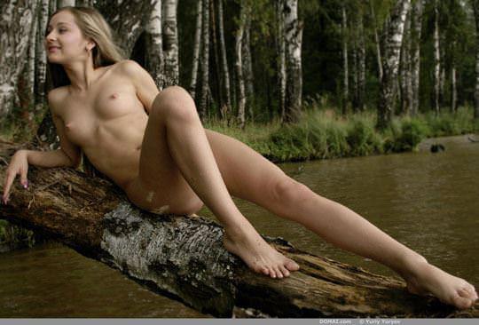 【外人】大自然でヌードグラビア撮影する妖精な白人美女達の野外露出ポルノ画像 2916