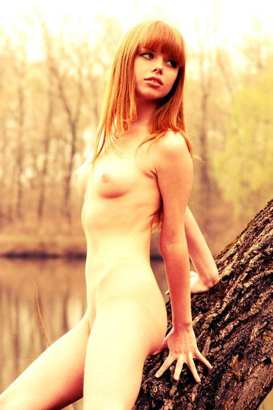 【外人】大自然でヌードグラビア撮影する妖精な白人美女達の野外露出ポルノ画像 3012