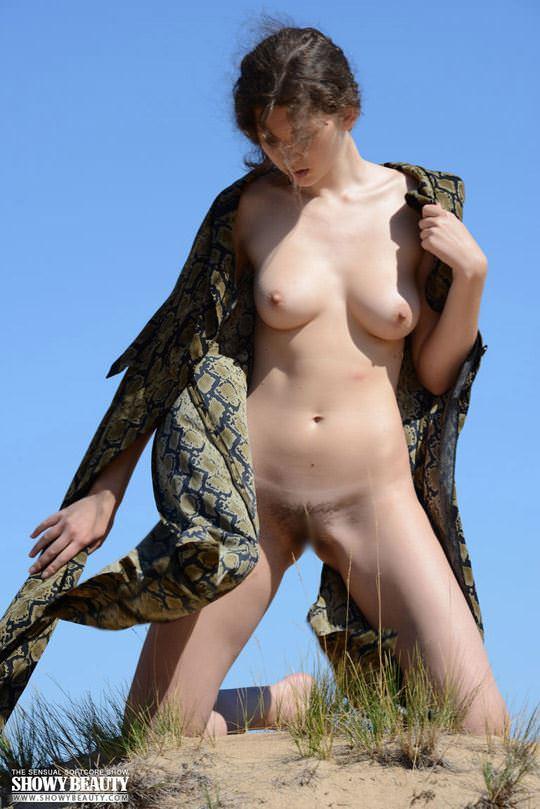 【外人】素朴なモデル、ロシアン女子大生マリ(Mari)の野外露出ポルノ画像 3133
