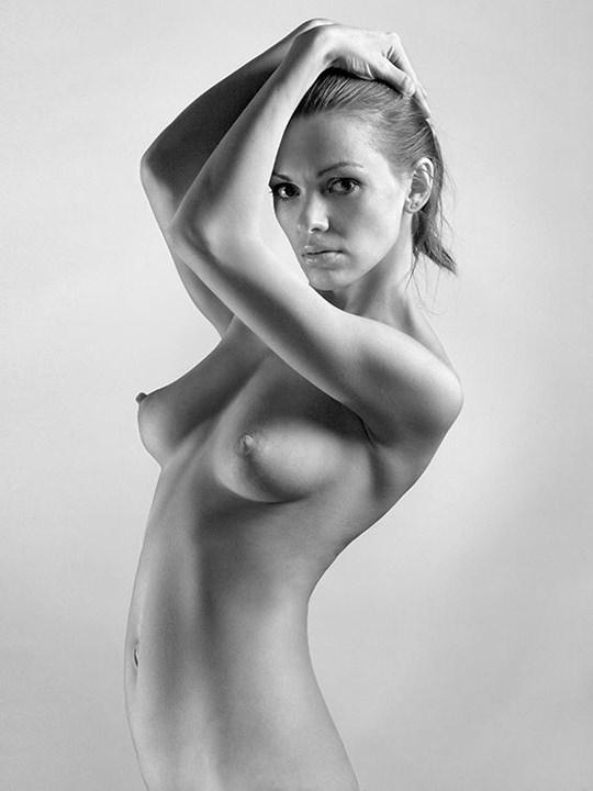 【外人】モノクロ写真で撮られたヌードグラビアのポルノ画像 3317