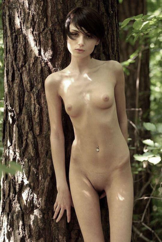 【外人】大自然でヌードグラビア撮影する妖精な白人美女達の野外露出ポルノ画像 397