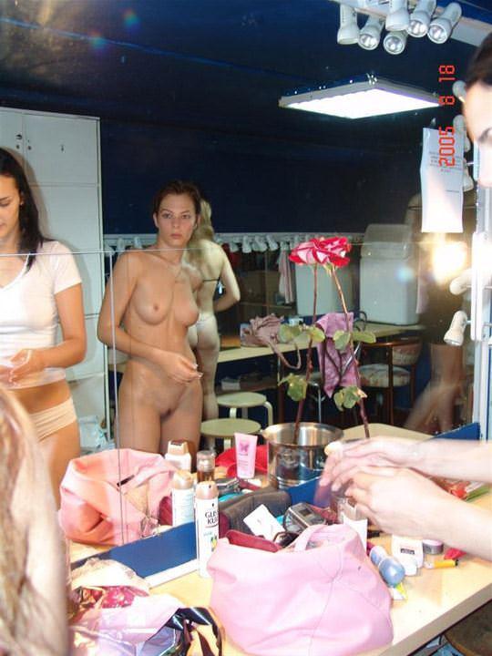 【外人】そこら中でおっぱいを晒す世界のスーパーモデルたちのポルノ画像 4101