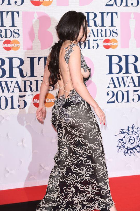 【外人】イギリスBRIT・アワード2015で歌手チャーリー・エックス・シー・エックス(Charli XCX)の巨乳横乳ポルノ画像 457