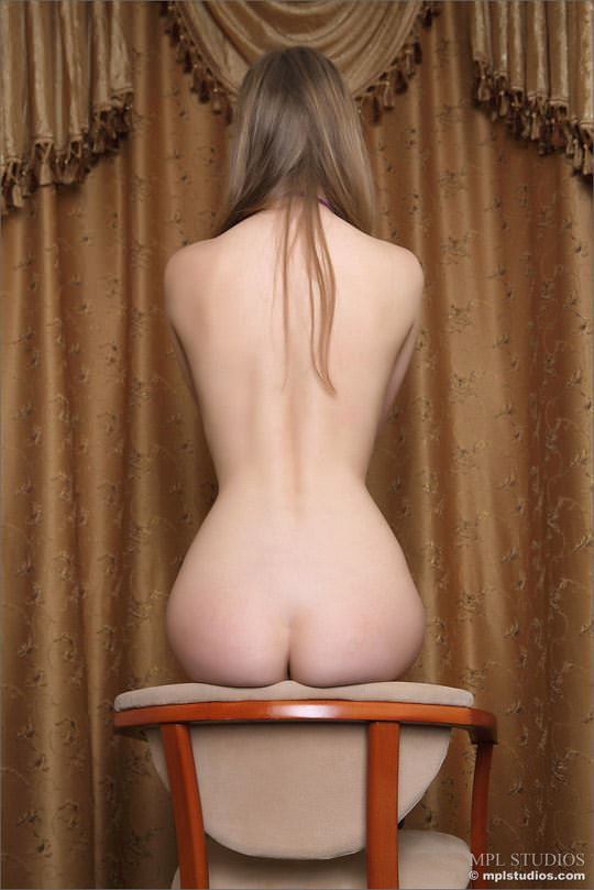 【外人】ぷくっと膨れ上がった乳輪がエロい貧乳おっぱいウクライナ人パロマ(Paloma)のポルノ画像 529