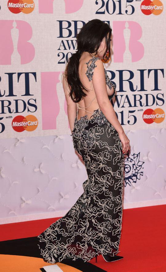 【外人】イギリスBRIT・アワード2015で歌手チャーリー・エックス・シー・エックス(Charli XCX)の巨乳横乳ポルノ画像 548
