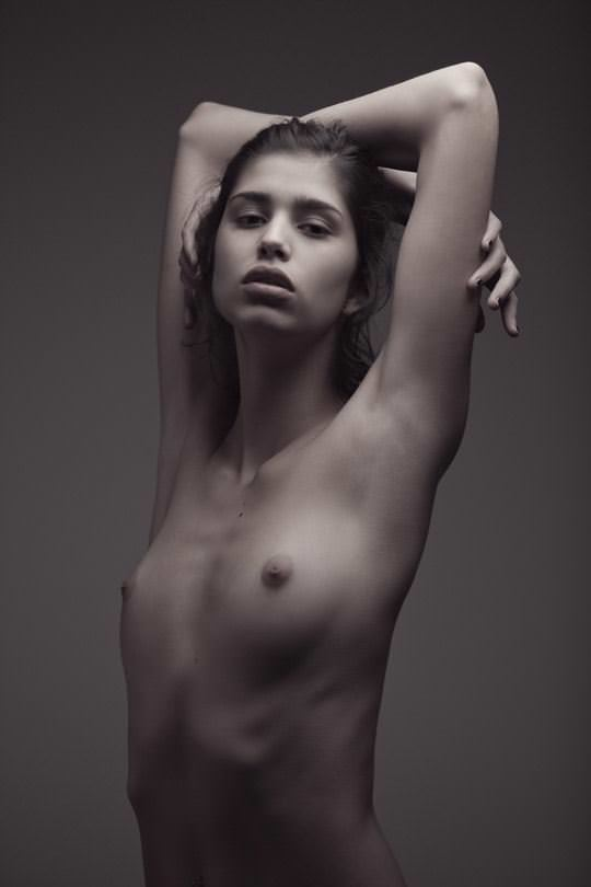 【外人】顔が可愛い世界の美少女を集めたセミヌードポルノ画像 6312