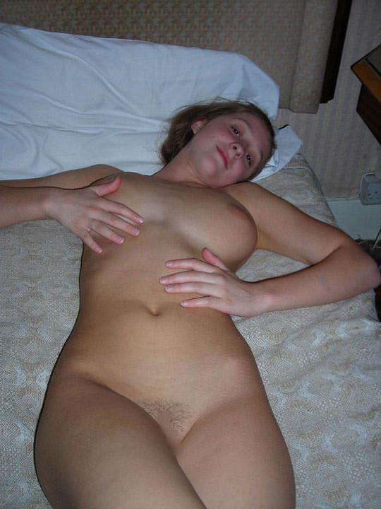 【外人】素人感がエロい乳圧半端ない自撮り巨乳おっぱいポルノ画像 652