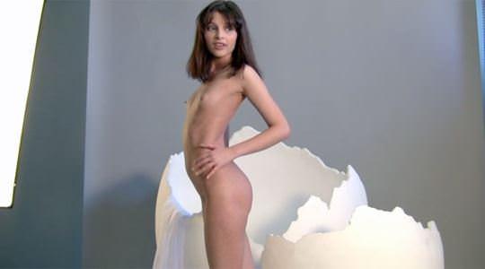 【外人】美しき海外の美少女たちのヌードポルノ画像 685