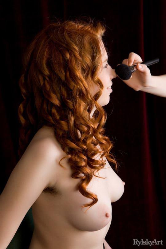 【外人】赤毛のロシアンヌードモデルのジリアン(Gillian)のマン毛とワキ毛のポルノ画像 791