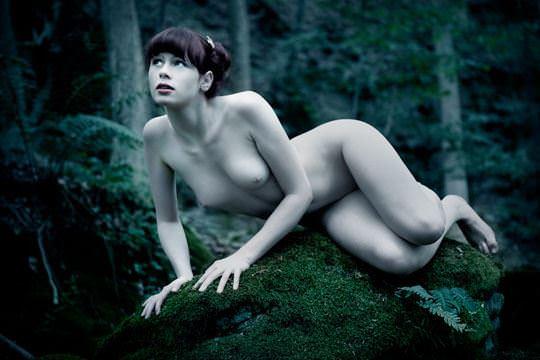 【外人】大自然でヌードグラビア撮影する妖精な白人美女達の野外露出ポルノ画像 850