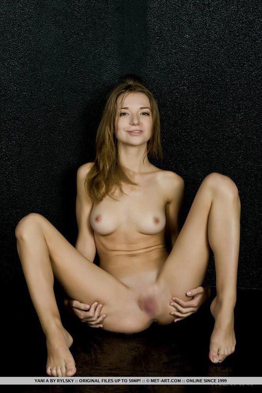 【外人】クッキリした顔立ち美人のウクライナ出身モデルのヤニ(Yani)のセクシーヌードポルノ画像 856