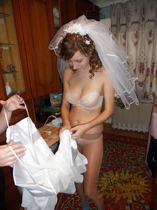 【外人】海外の美人花嫁がドレスでおっぱいポロリしてるポルノ画像 938