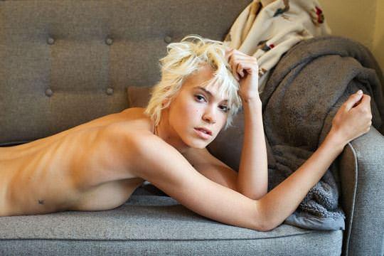 【外人】ボーイッシュなモデルのケルシー(Kelsey)を写真家ダニー·レーン(Danny Lane)が撮影したフルヌードポルノ画像 950