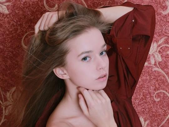 【外人】ウクライナ少女が腋毛陰毛ふっさふさミレーナ(Milena D)のヌードポルノ画像 0141