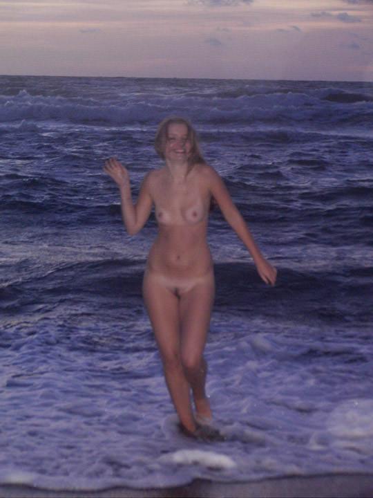 【外人】ヌードモデルを目指す激カワ素人娘が裸体撮影とフェラまでしてるポルノ画像 1015