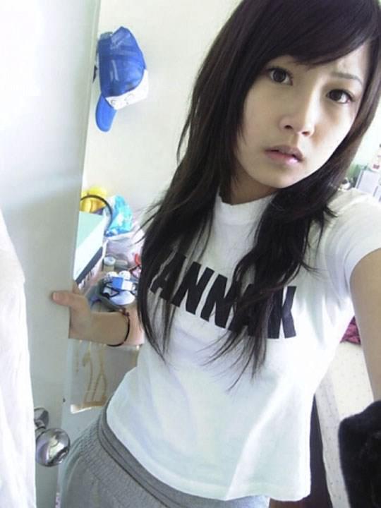 【外人】激カワ台湾素人娘のツォン・ダーミエ(Ceng Damie)の自撮りポルノ画像 1161