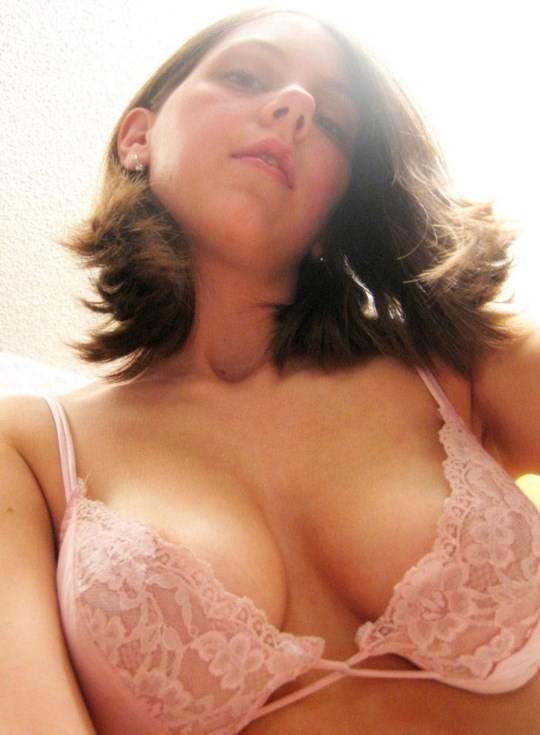 【外人】金に目が眩んだ海外素人娘が変態オヤジに撮影されてネットにうpされたポルノ画像 1322